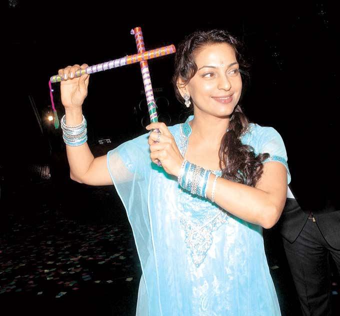 Juhi Nice Look With Cute Smiling Still At Dandiya Event In Goregaon At Mumbai