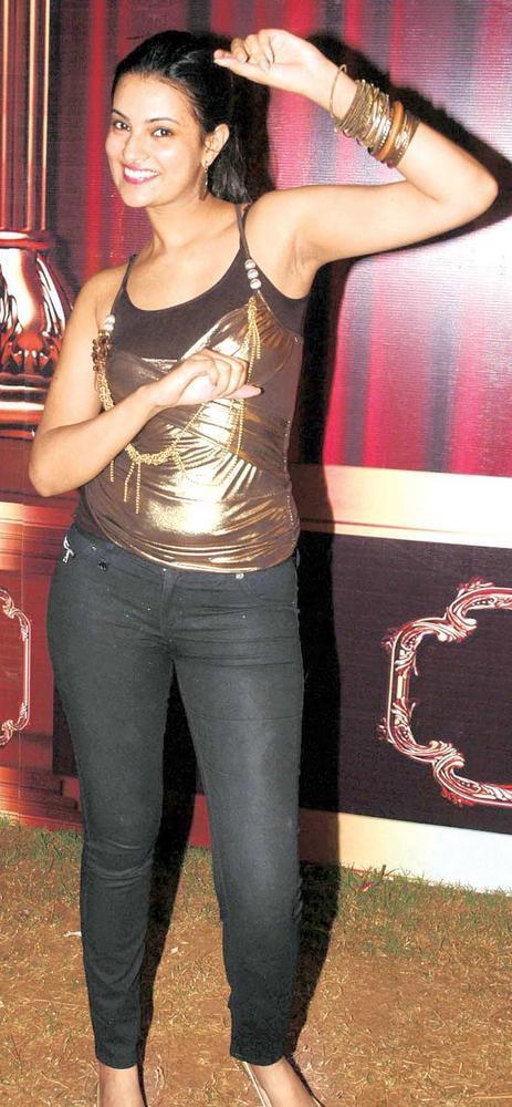 Sayali Bhagat Dandia Pose Clicked