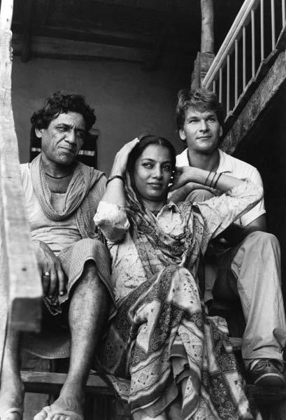 Om Puri,Shabana And Patrick In City Of Joy Movie