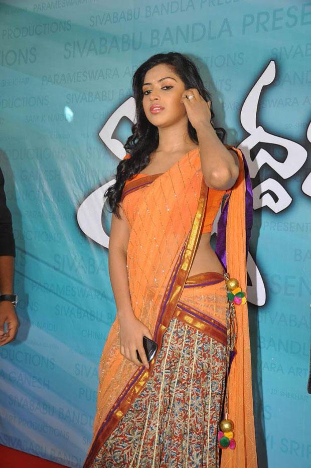 Amala Paul At Iddarammailatho Movie Opening Ceremony