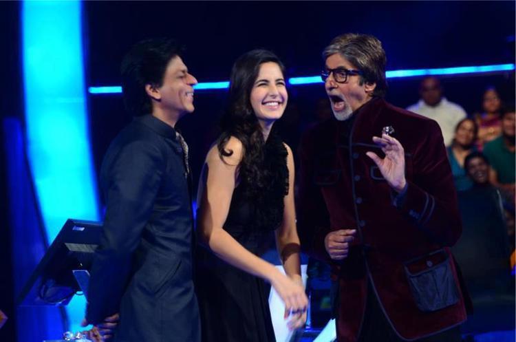 Shahrukh,Katrina And Amitabh Smiling At KBC Reality Show
