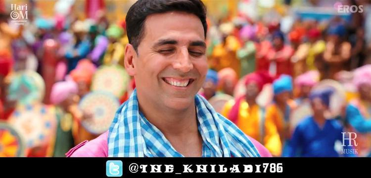 Akshay Kumar Smiling Still