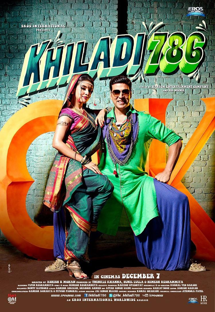 Asin And Akshay Kumar In Khiladi 786 Wallpaper