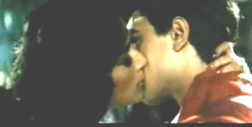 Aamir And Madhuri Hot Lip Lock Scene From Dil