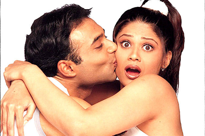 Uday Kissing Shamita In Mohabbatein