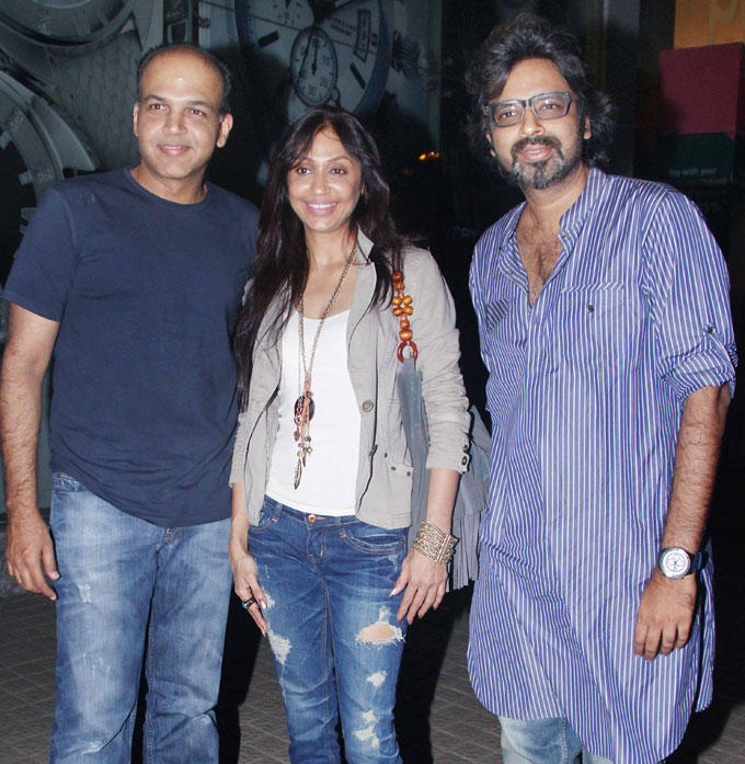 Ashutosh And Wife With Friend Spotted At Student Of The Year Screening