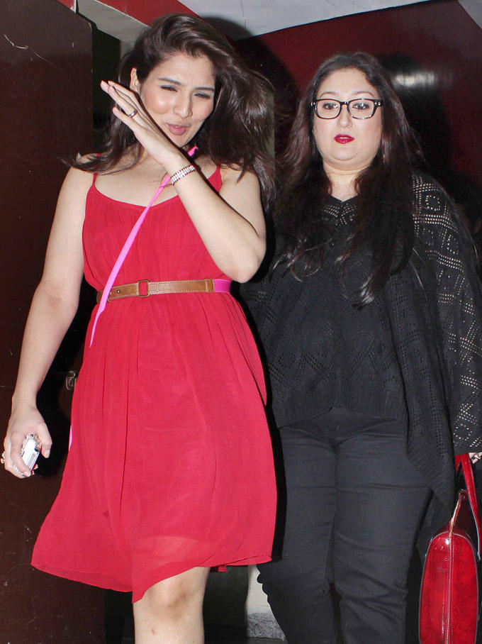 Govinda's Daughter Narmada With Her Mom At Student Of The Year Screening