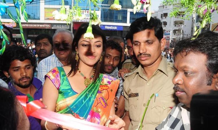 Kajal Agarwal Inaguration Kalaniketan Still