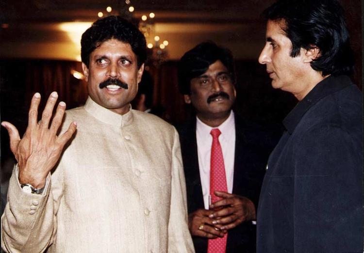 Amitabh Bachchan With Kapil Dev Nice And Rare Photo