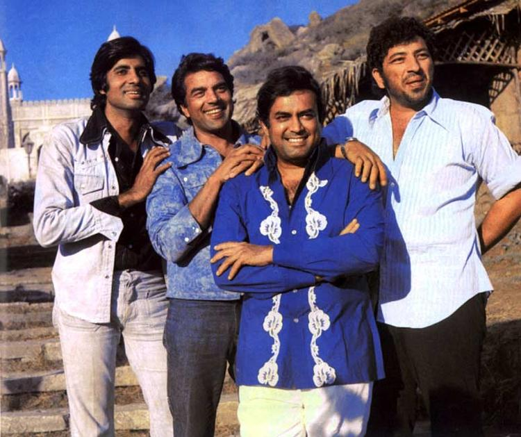 Amitabh,Dharam,Sanjeev Kumar And Amjad Khan Still From Movie Sholay