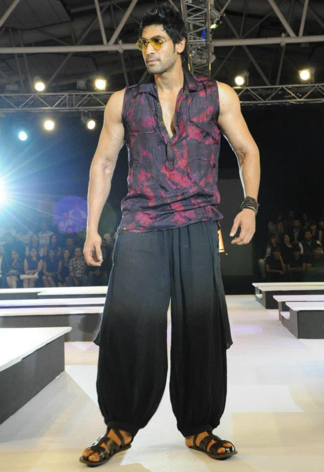 Rana Daggubati Walks At Blenders Pride Fashion Tour Hyderabad 2012