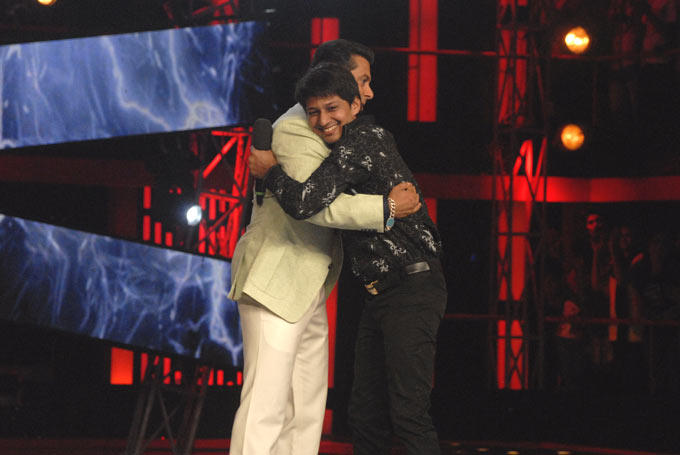 Salman And Kashif Hugged To each Other In Bigg Boss House