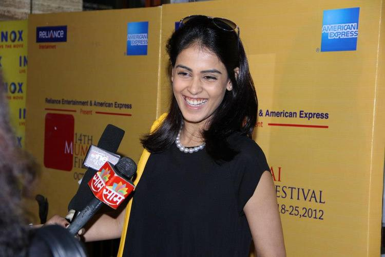 Genelia Nice Look With Cute Smiling Still
