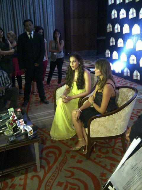 Bipasha Chating Still With Guest At At BPFT 2012