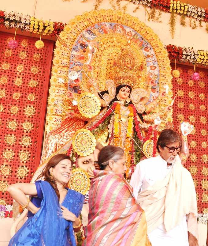 Amitabh And Jaya Celebrates Durga Puja At Mumbai