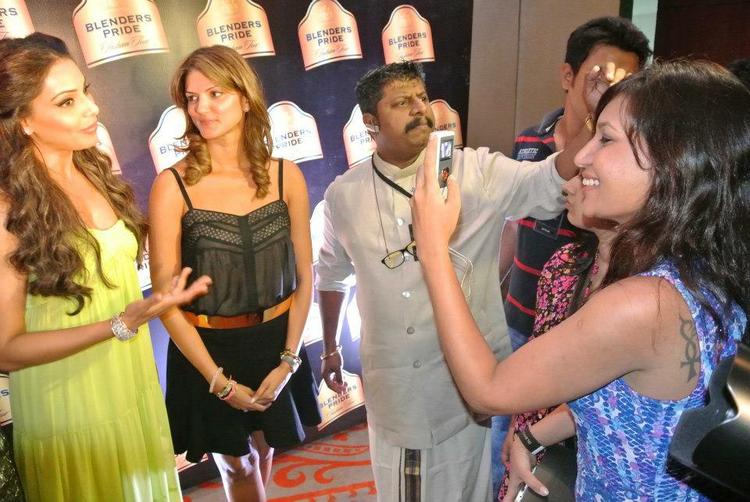 Bipasha And Mehtani Snap Taken By A Fan