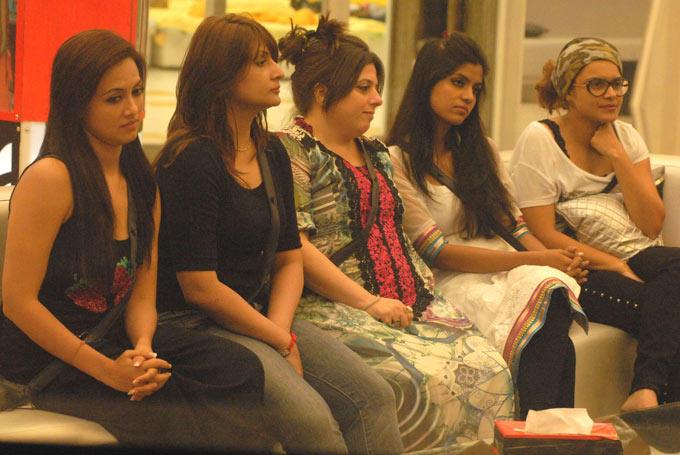 Sana,Urvashi,Delnaaz,Sayantani And Aashka