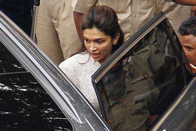 Deepika Padukone Still During On Her Way To Yash Chopra Rities