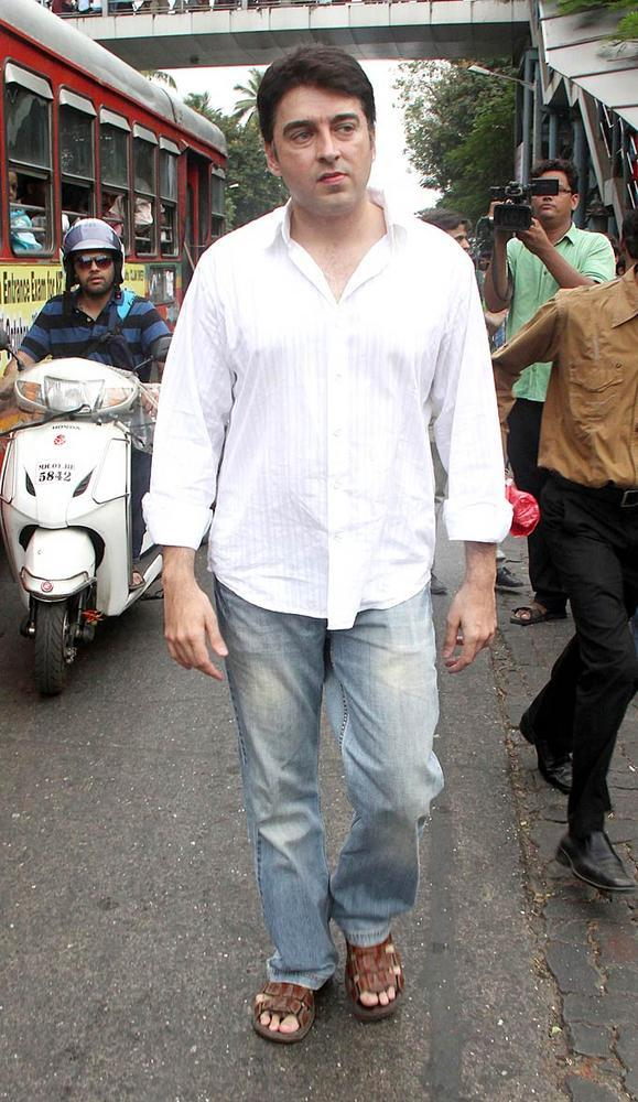 Jugal Spotted For Pay His Last Respects To  Yash Chopra