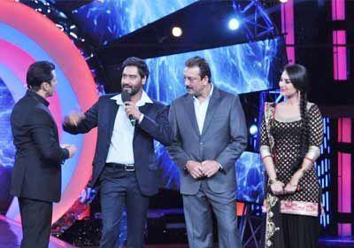 Ajay,Salman,Sanjay And Sonakshi On The Sets Of Bigg Boss 6