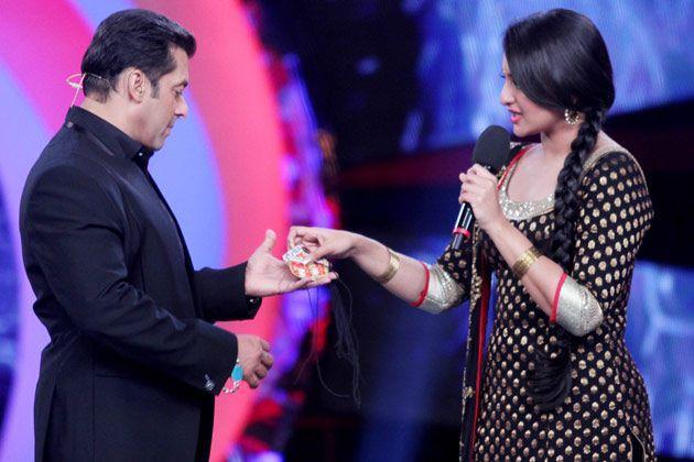 Salman And Sonakshi Still At The Sets Of Bigg Boss 6
