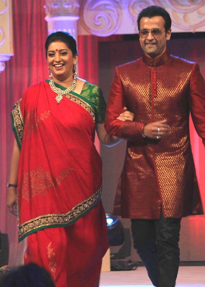 Smriti And Rohit Walks On Ramp At Gitanjali ITA Fashion Show