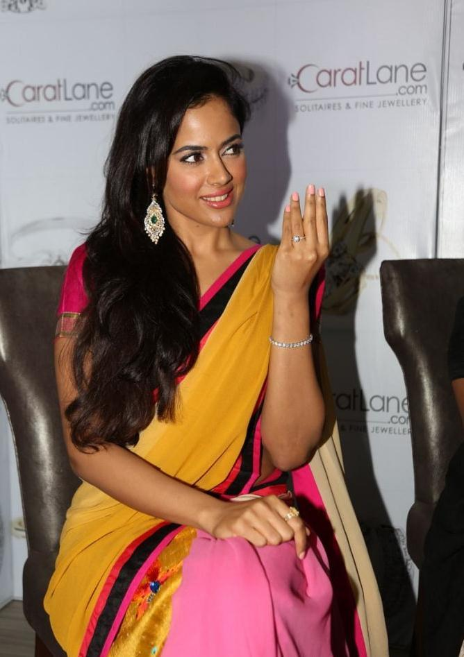 Sameera Completed Her Look With Flowing Hair Still