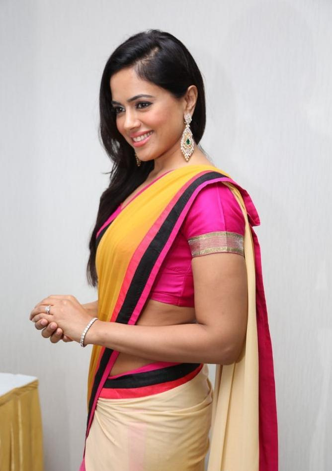 Sameera Exclusive Still At Solitaire Experience Lounge