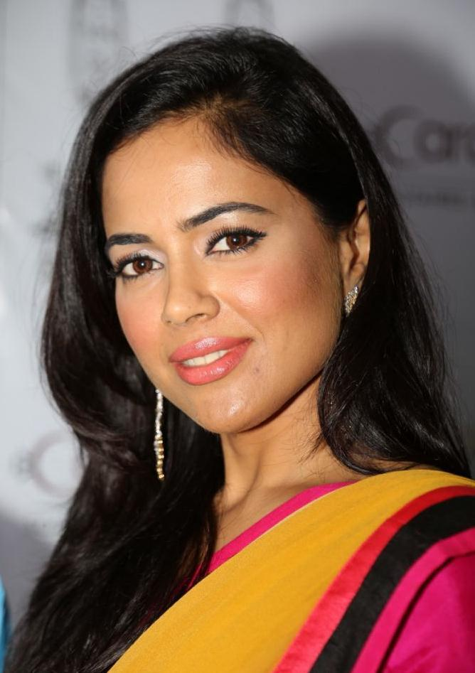 Sameera Looking Beautiful In Yellow Pink Saree Still
