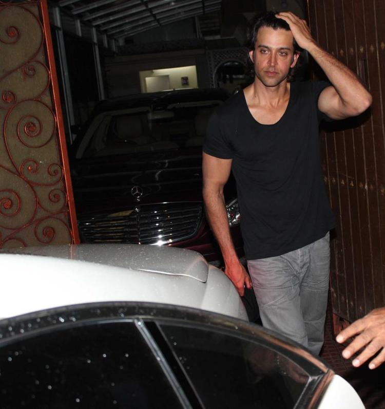 Hrithik Spotted In Front Of Aditya Chopra Residence