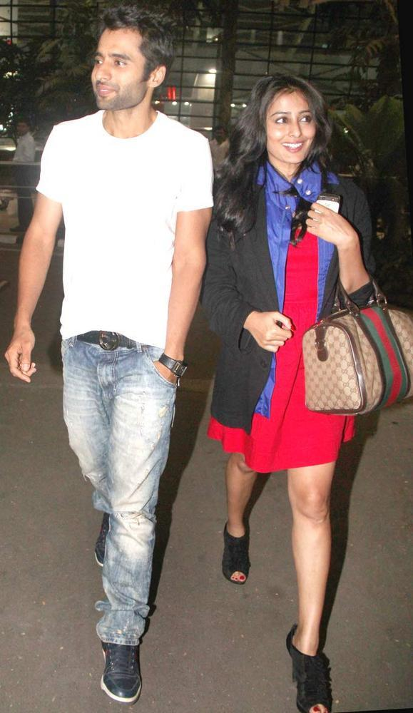 Jackky With Wife Nidhi Spotted At  Airport To Return To Mumbai