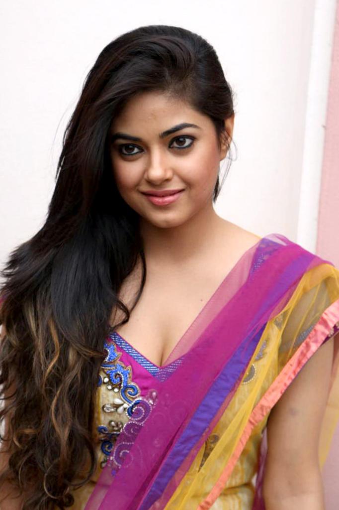 Meera Chopra Hot Expressions Photo Shoot