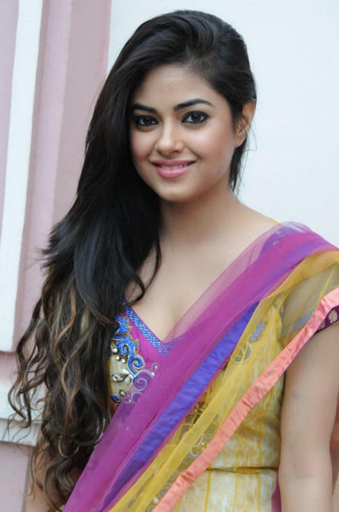 Meera Chopra Trendy Looking Photo  Stills