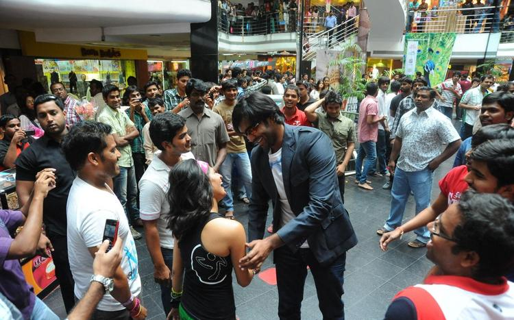Manchu Vishnu At Denikaina Ready Flash Mob At City Center Mall