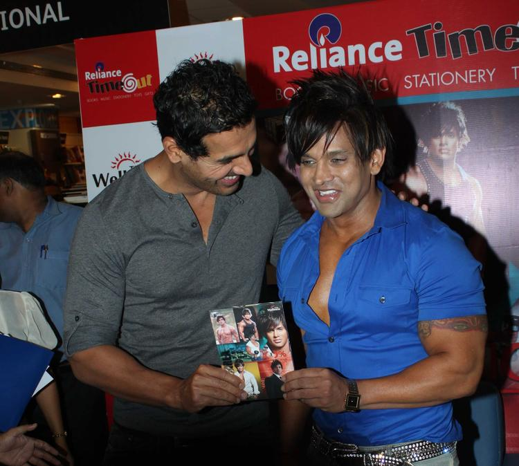 John And Yash During The Launching Of Yash Birlas Fitness DVD