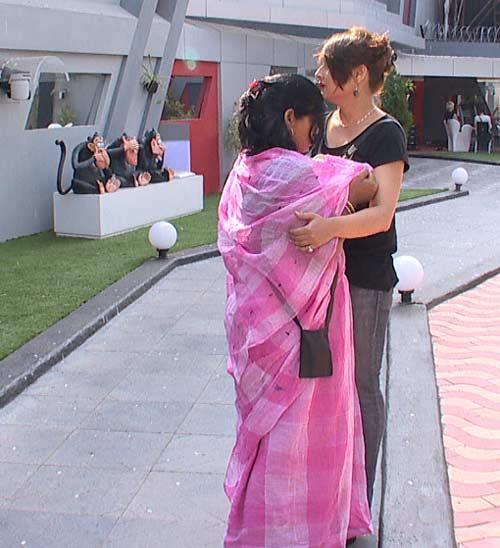 Sampat And Urvashi In The Bigg Boss House