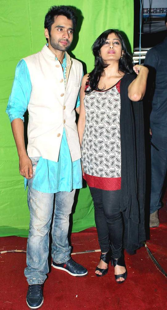 Jackky With Nidhi At Falguni Pathak's Navratri Event