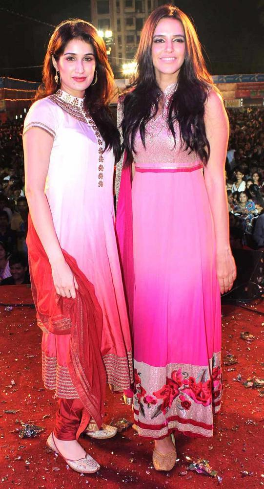 Sagarika And Neha Pose For Camera At Falguni Pathak's Navratri Event