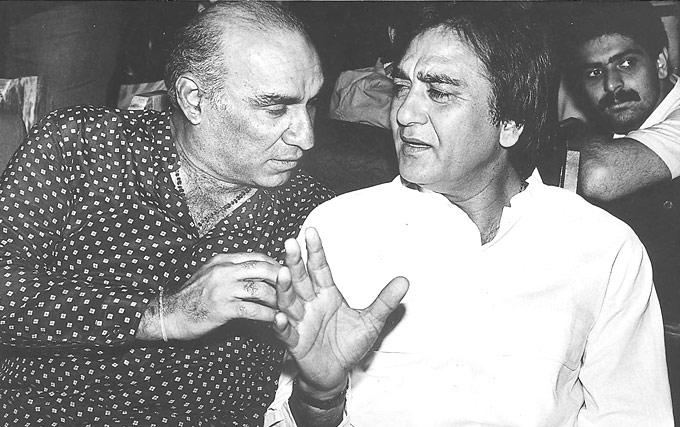 Yash Chopra And Sunil Dutt Engaged In A Serious Discussion