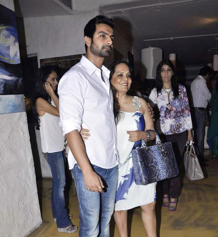 Ashmit Patel At Rouble Nagi's Painting Exhibition