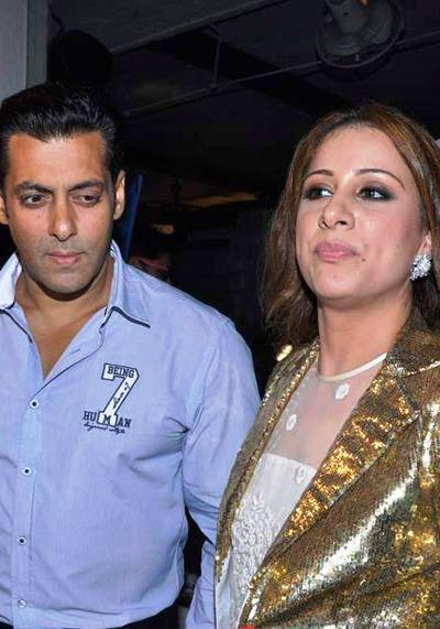Salman And Rouble At Her Painting Exhibition