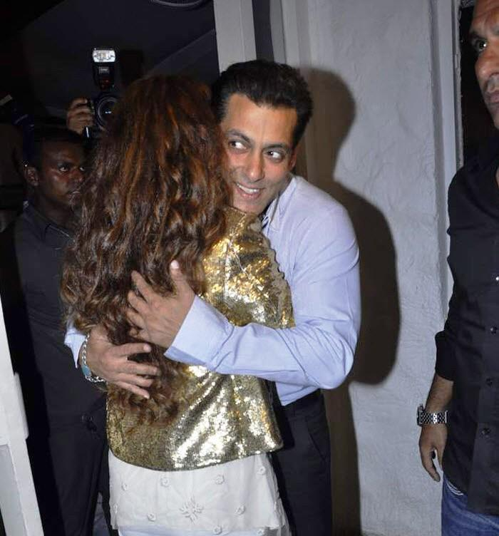 Salman Hugged Rouble At Her Painting Exhibition
