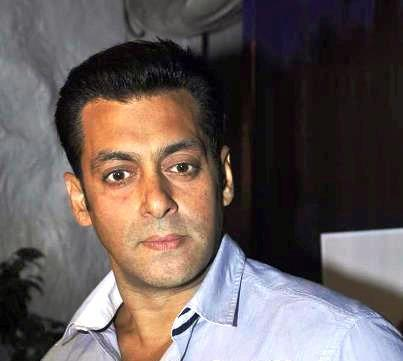 Salman Khan Smart Face Look Still At Rouble Nagi Painting Exhibition