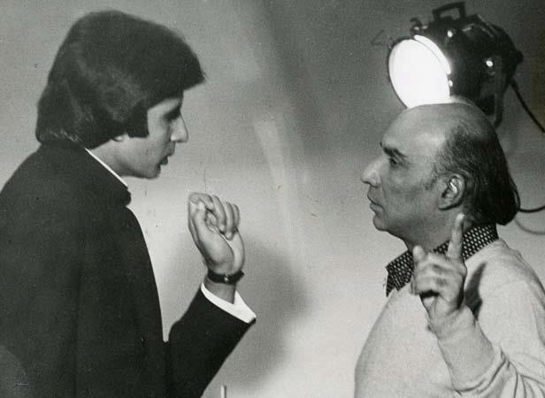Yash And Amitabh Still During A Movie