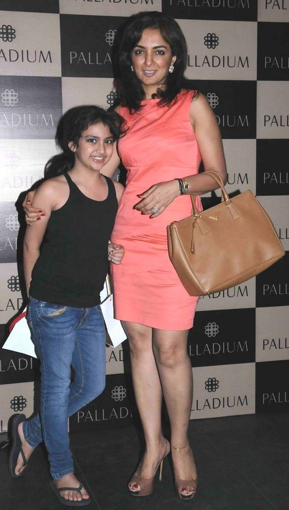 Lata Patel With Her Daughter Snapped A Photo At Get Spooked Bacha Party