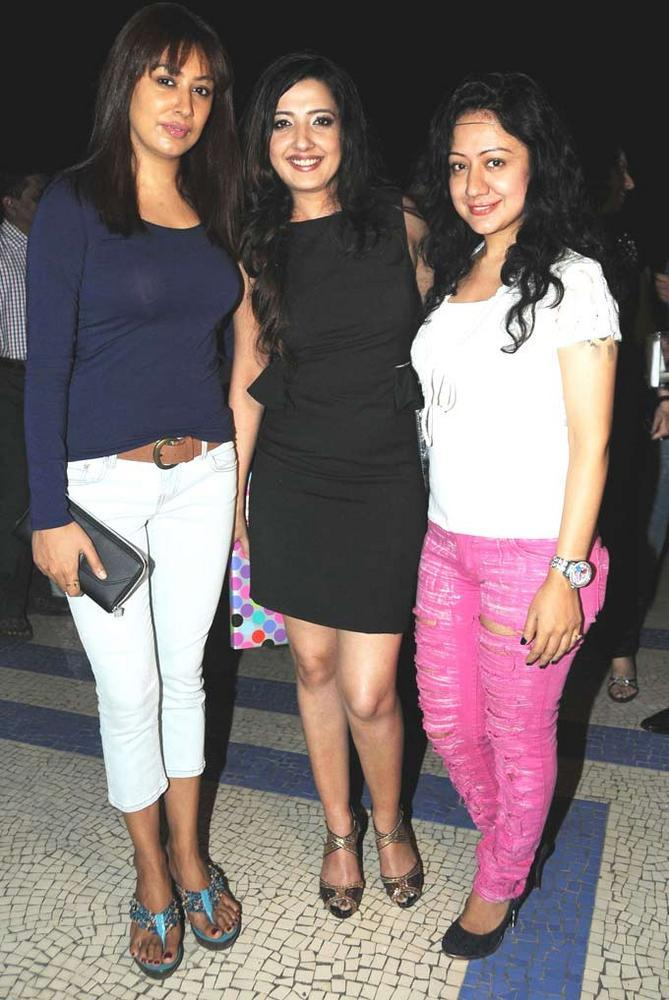 Amy,Madhuri And Anjali Give Pose For Camera At At Her Birthday Bash