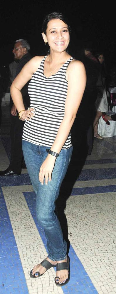Jesse Looks Superb Still In Blue Jeans And Striped Top AtAmy Billimoria Birthday Bash