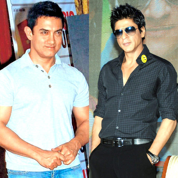 Aamir And Shah Rukh Smiling Face Look Still