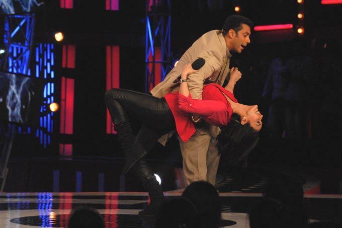 Preity Zinta And Salman Dancing Still Pose On Bigg Boss 6