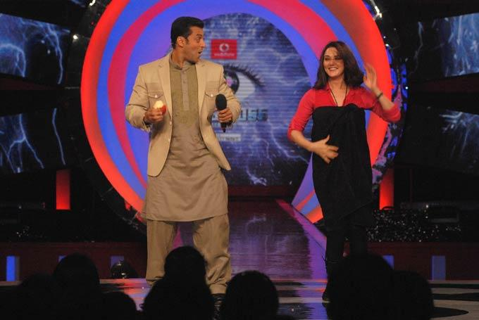 Preity Zinta And Salman Shake Their Legs On Bigg Boss 6